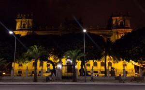 fachada iluminada
